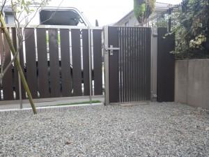 フェンスと門扉画像