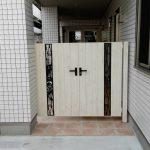 エントランスに彩りと安心を与えてくれる門扉