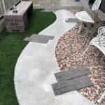 レンガと人工芝でおしゃれなお庭