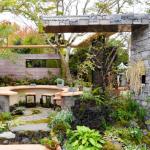古煉瓦で風格あるお庭に